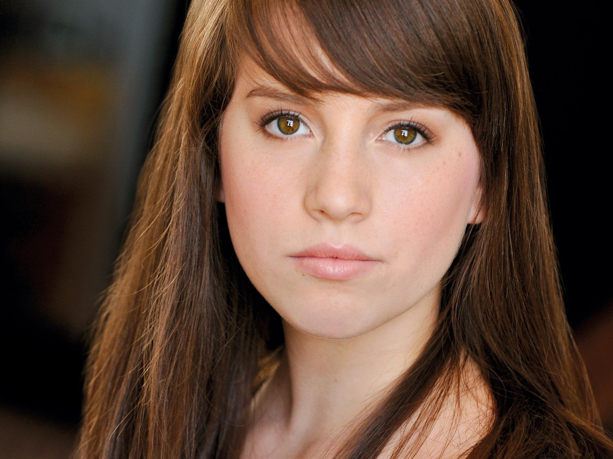 Headshots NYC - Actor Headshots Amelia G