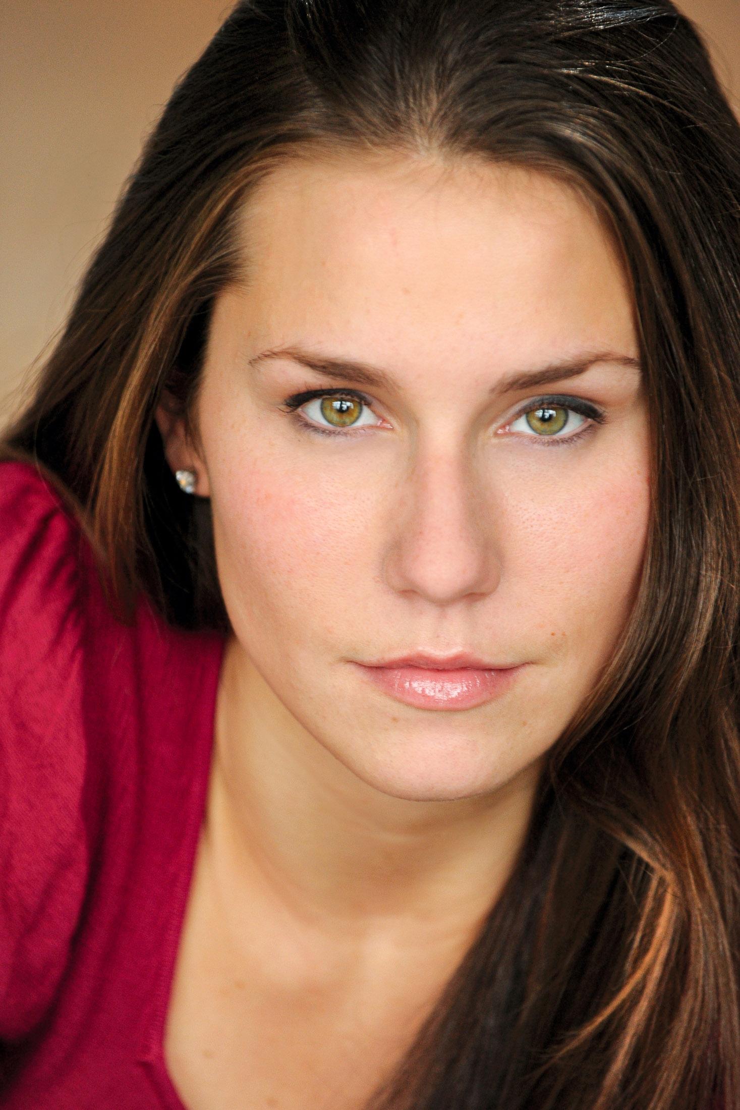 Headshots NYC - Actor Headshots Amy W