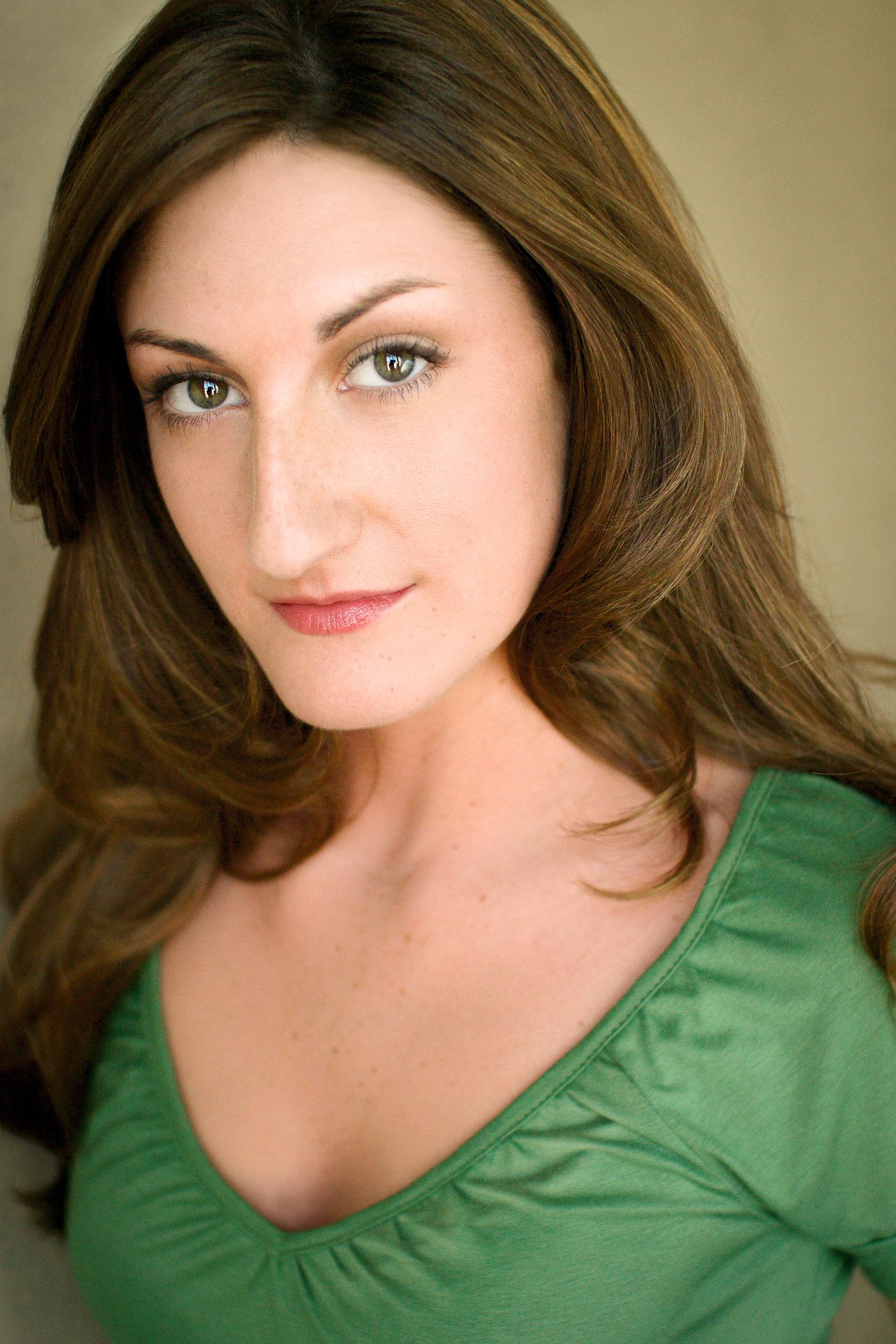 Headshots NYC - Actor Headshots Heidi A