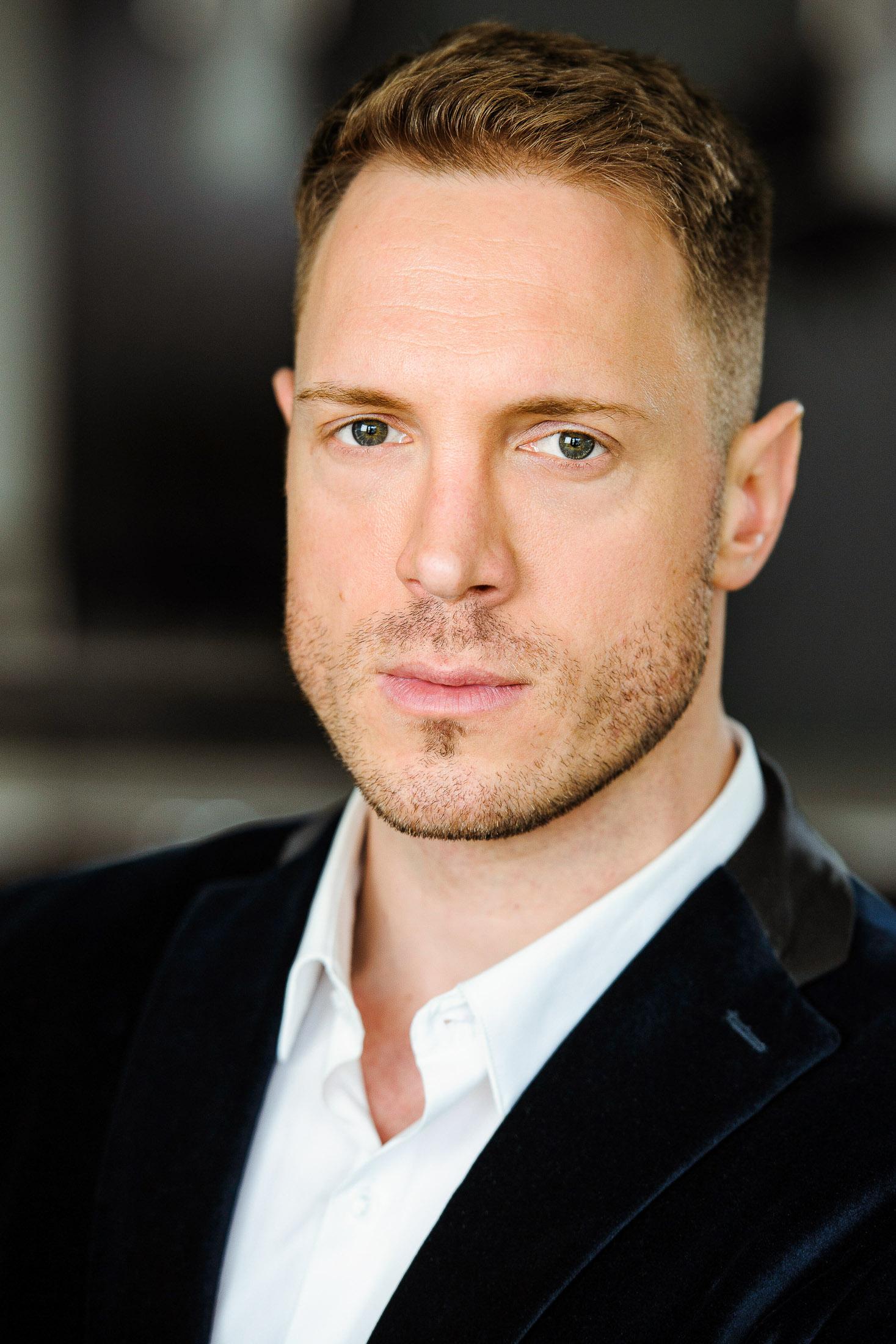 Headshots NYC - Actor Headshots Ivan K